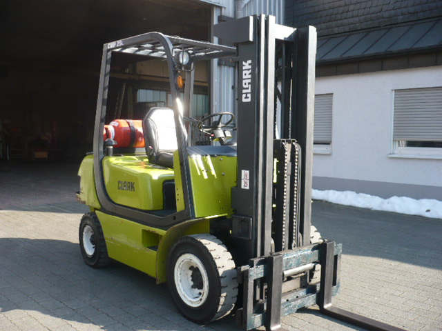 Forklift Forklift Clark Cmp 25 Used Buy At Althaus Maschinenhandel